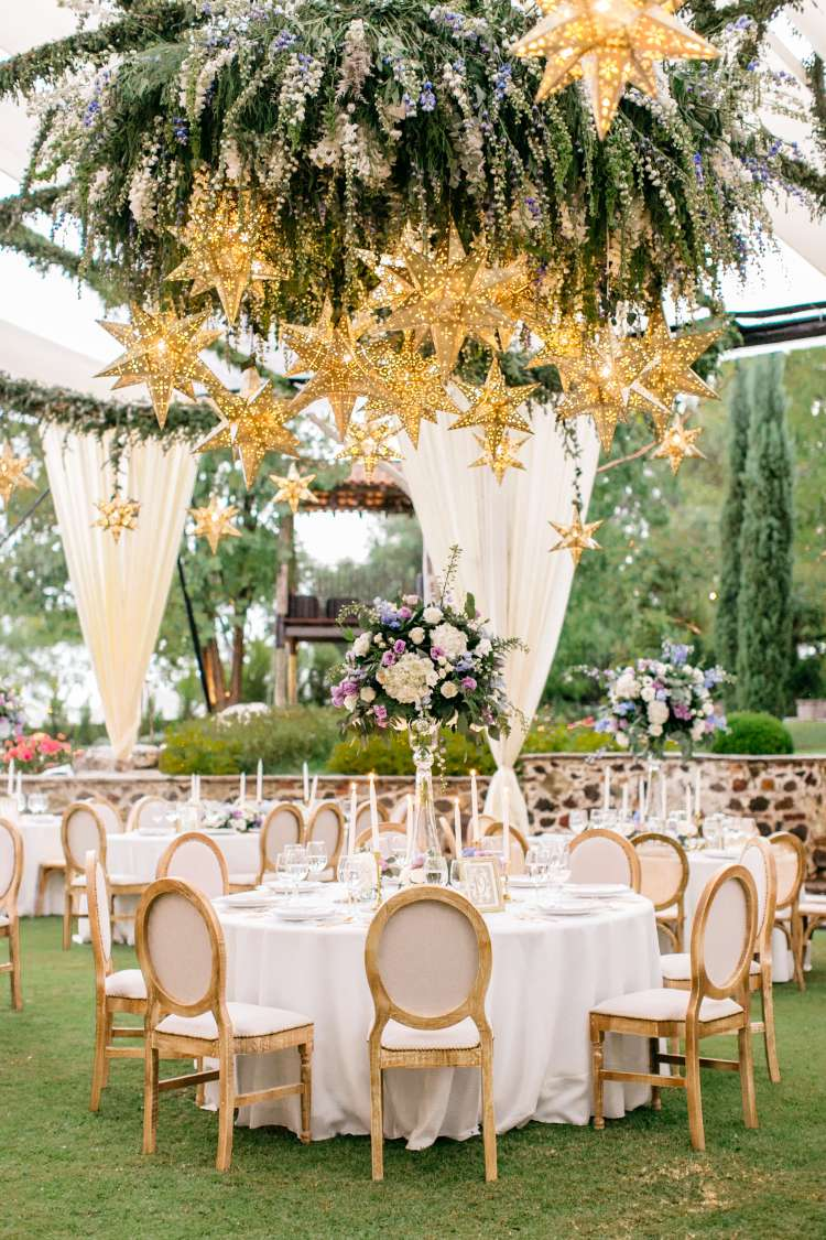 A Wedding Full Of Flowers and Tin Stars 4