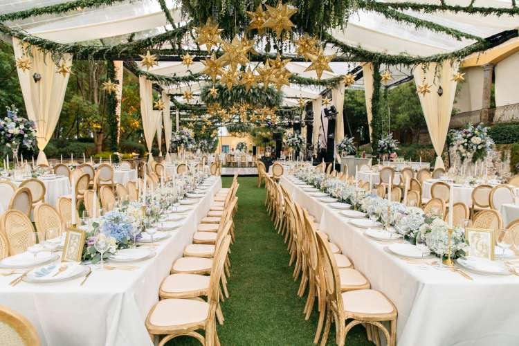 A Wedding Full Of Flowers and Tin Stars 1