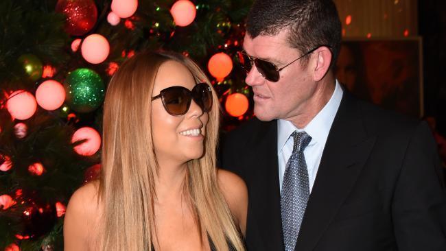 Mariah Carey's Ring Fuels Wedding Rumors