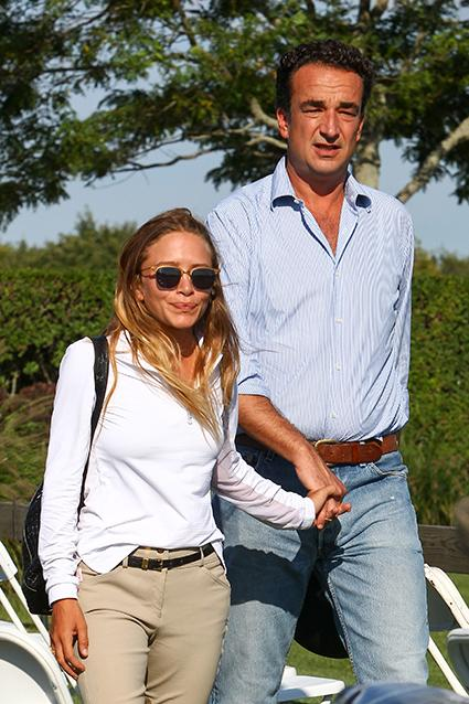 Mary-Kate Olsen Shows Off Wedding Ring in NYC