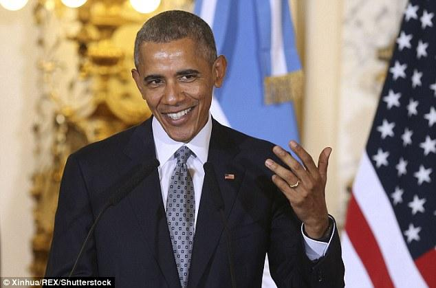 Obama Criticized For Hiding His Wedding Ring