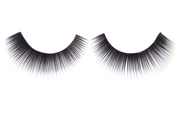 Engagement Cancelled Over Fake Eyelashes