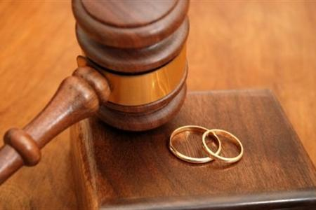Saudi Woman Gets a Divorce Due to Her Liposuction
