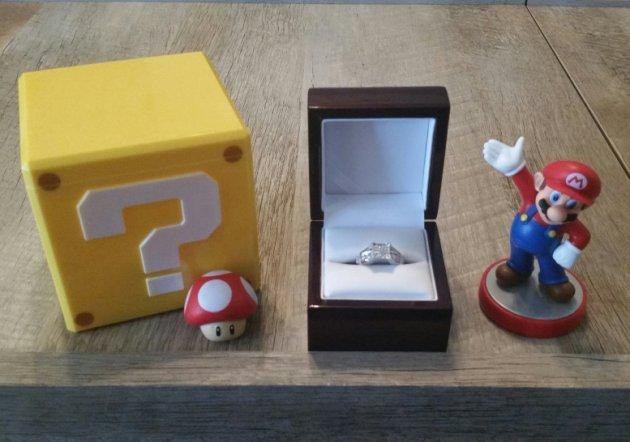 Man Proposes to Girlfriend with Super Mario Game