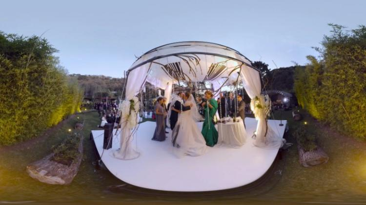 Virtual Reality Weddings Becoming Big Trend