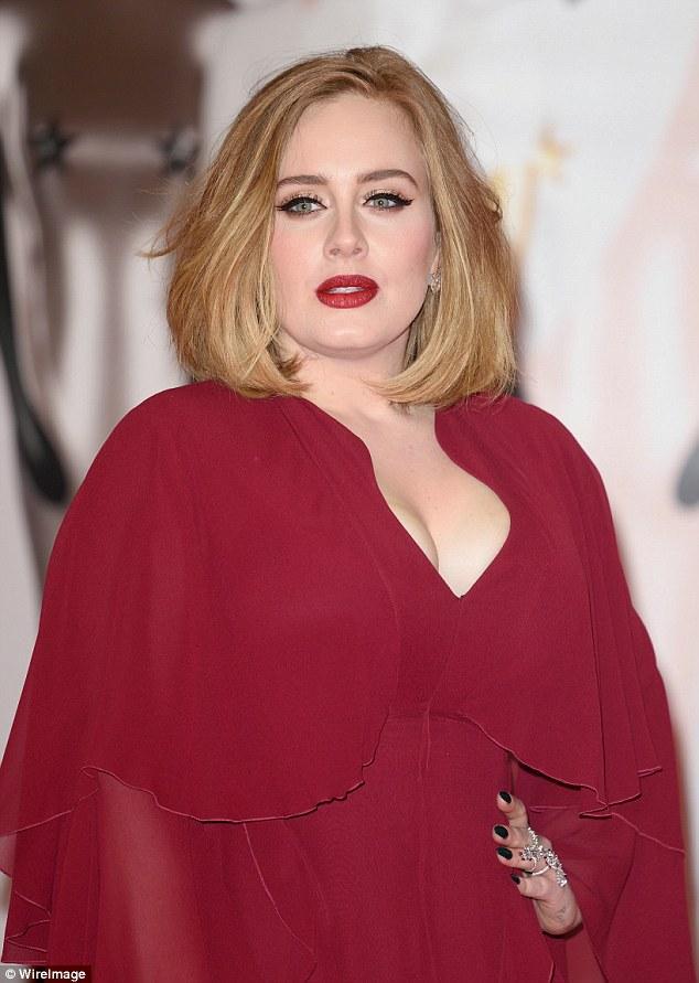 Adele to Marry Boyfriend in Christmas Wedding