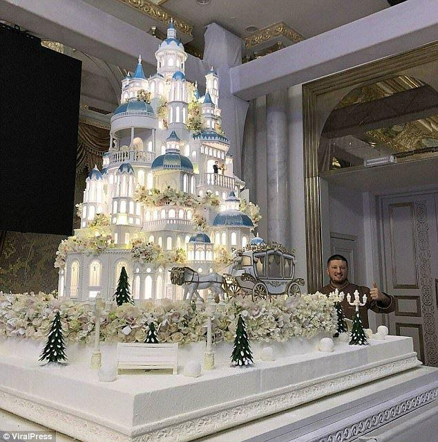 Luxury Wedding Cake Takes Over Social Media Channels