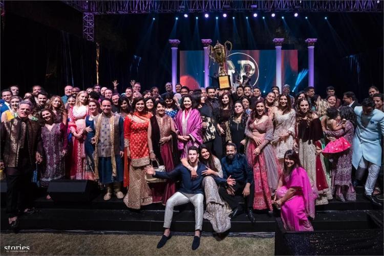 حفل زفاف بريانكا شوبرا ونيك جوناس على التقاليد الهندية
