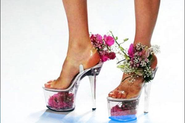 10 Strange Wedding Shoes