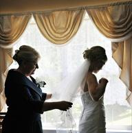 Wedding Picture Ideas for the Bride and Her Mother