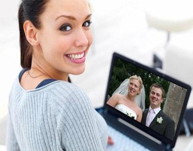 Share Your Wedding Through Live Streaming