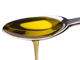 Castor Oil: Your Secret to Thick Eyebrows and Lashes