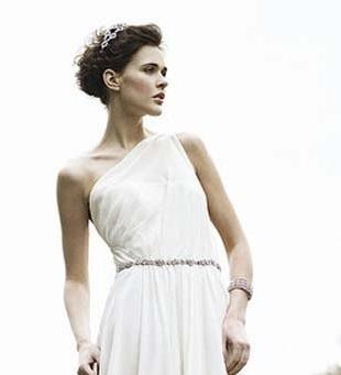 A Grecian Bridal Look for Your Wedding