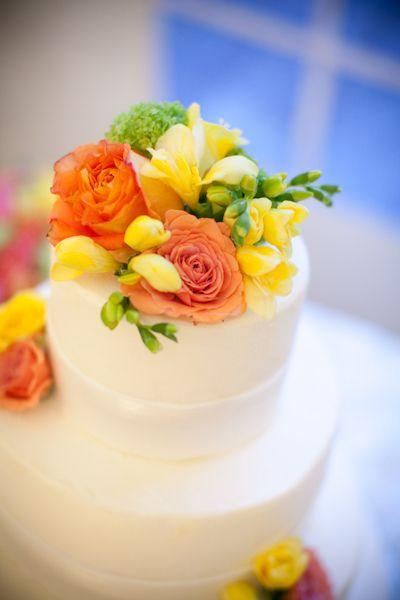 Your Wedding in Colors: Yellow and Coral