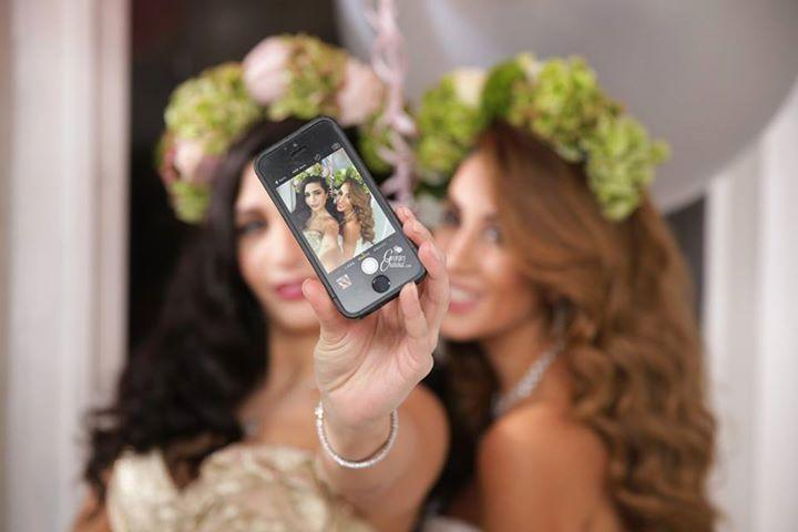 Wedding Selfies and Hashtags Ideas