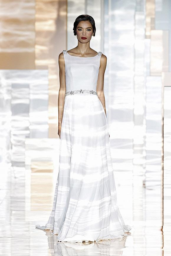 Miquel Suay's 2016 Bridal Collection Showcased at Barcelona Bridal Week 2015