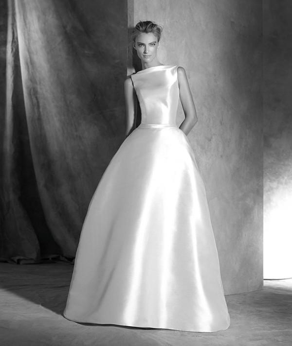 Discover The Beautiful 2016 Bridal Collection from Pronovias
