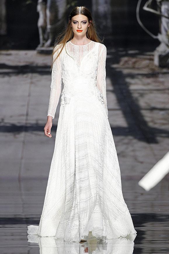 أسبوع برشلونة لأزياء الزفاف 2015: يولان كريس