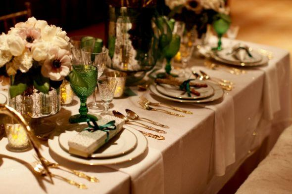 Your Wedding in Colors: Emerald and Gold
