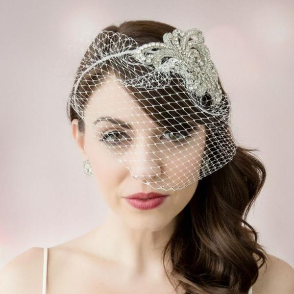 Retro Glam Hairstyles Fit for a Glamorous Bride