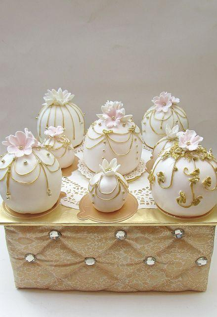 Temari Cake Balls Are The Next Big Wedding Cake Trend