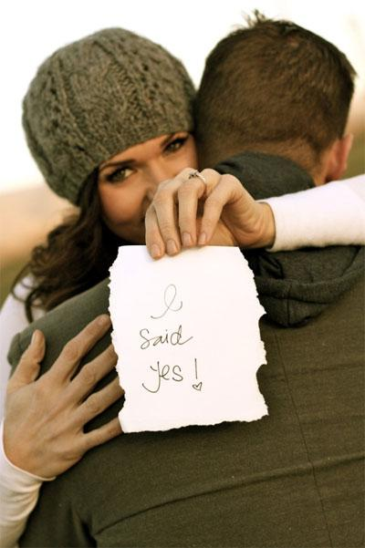 The Right Ways to Announce Your Engagement