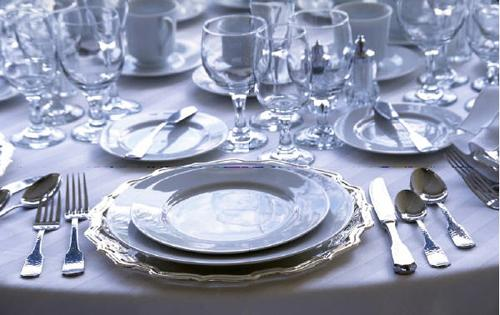 Formal Dining Etiquette For Your Wedding Shared By The Experts & Formal Dining Etiquette For Tables and Weddings - Arabia Weddings