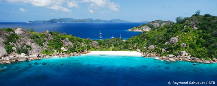 Discover The World of Seychelles On Your Honeymoon