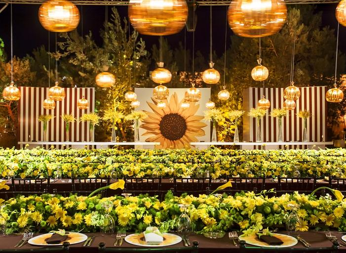 "Inside a Luxury ""Sunflower Wedding"""