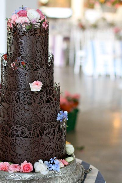 Chocolate Weddings Cakes For Your Fall/Winter Wedding