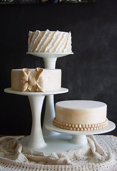 Adorable One-Layered Cakes For Your Bridal Shower