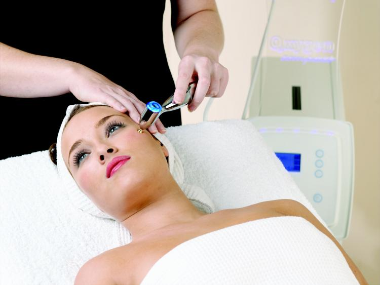 Oxygen Facials For A Glowing Bride