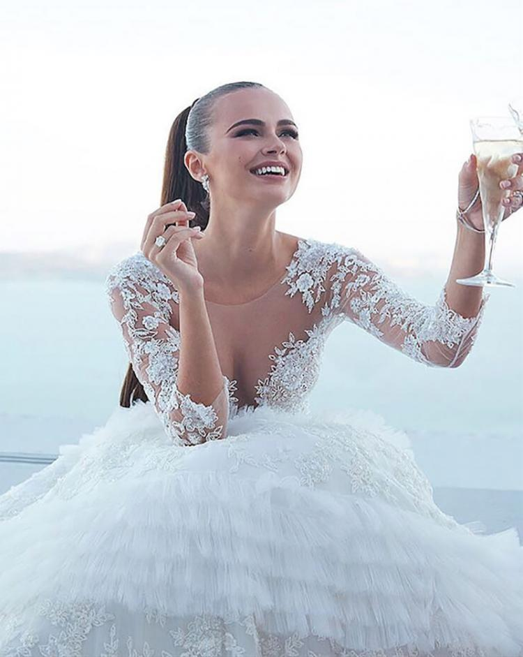 Get Your Bridal Inspiration From 4 Super Models