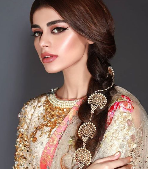 Indian Hairstyles Perfect For Your Henna Night