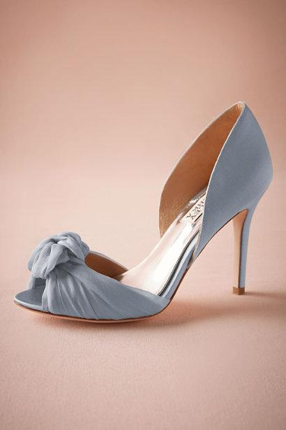 Stunning Bridal Shoes with Knots and Bows