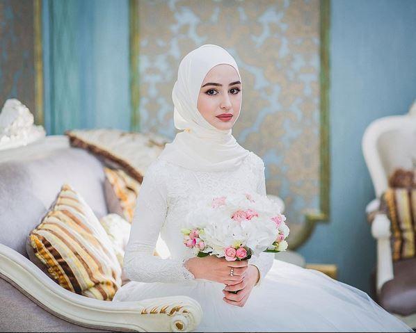 Bridal Inspiration: Beautiful Brides Wearing Hijab