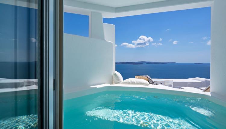4 Honeymoon Suites You Need To Check in Santorini