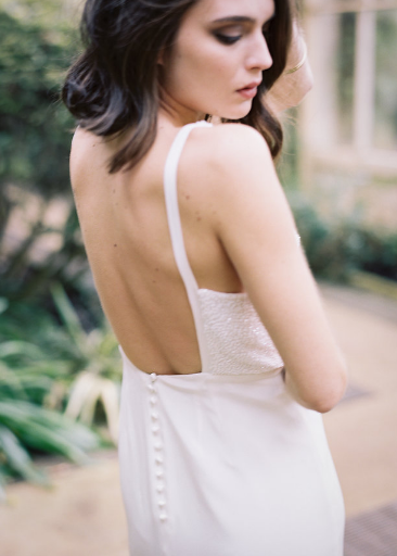 4 Beautiful 2017 Backless Wedding Dresses