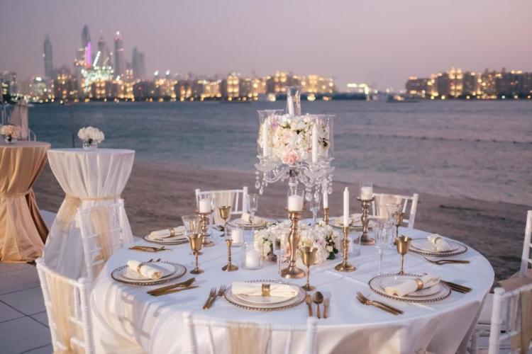 احصلي على حفل زفاف الأحلام في فندق ريكسوس النخلة