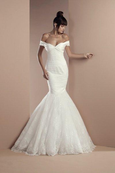 ced70663748a2 5 فساتين زفاف على شكل حورية البحر من تصميم أشهر مصممي الأزياء العرب