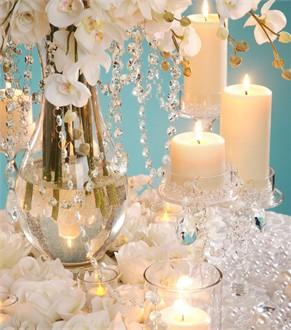 Twinkle Twinkle with Glass Decorations for Your Wedding