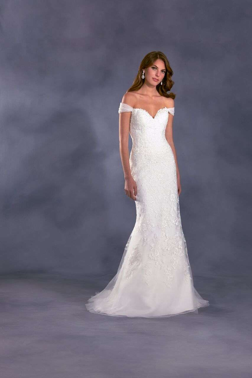 Disney Wedding Gown Collection 17 Awesome Alfred Angelo Disney Wedding