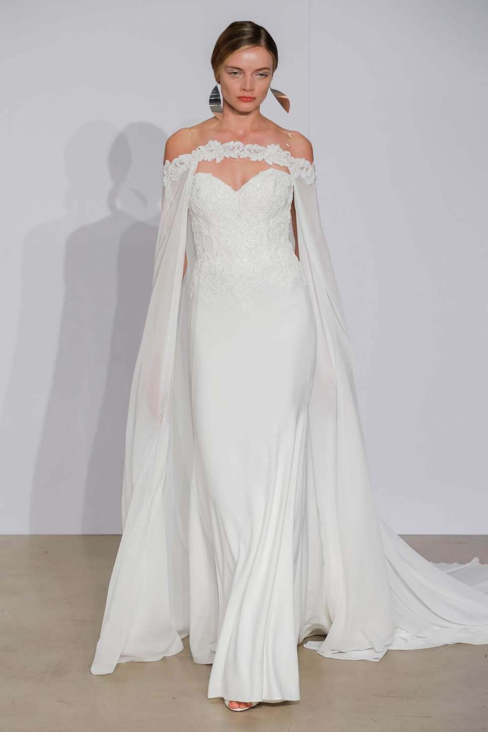 The 2018 Fall/Winter Wedding Dress Collection by Justin ...