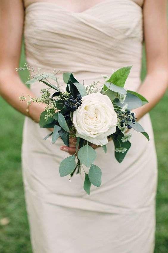 small bridal bouquets arabia weddings. Black Bedroom Furniture Sets. Home Design Ideas
