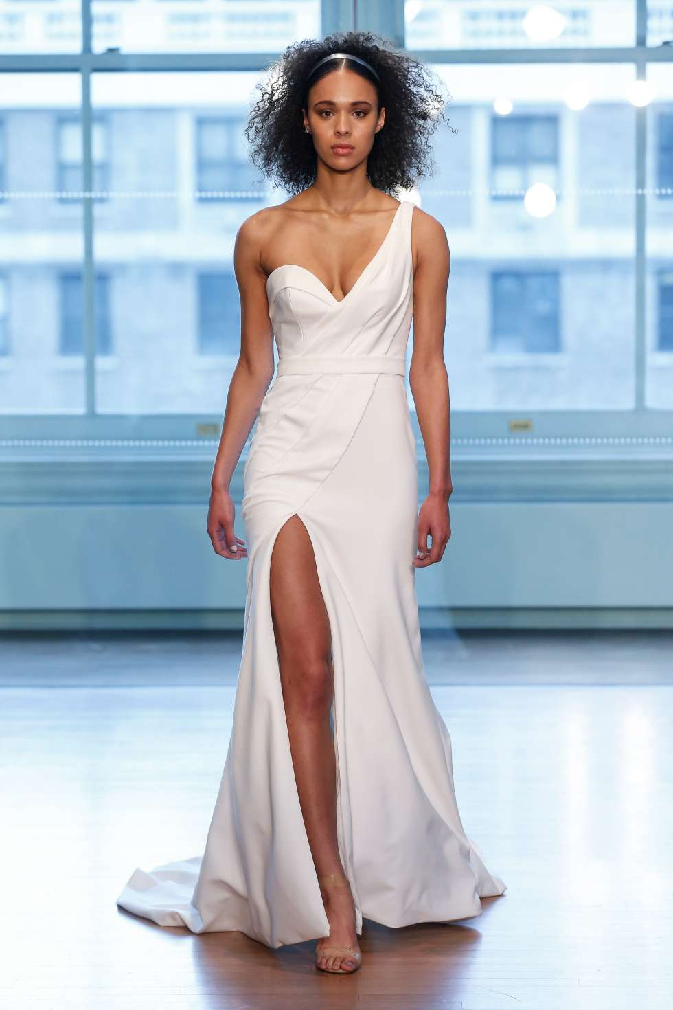 The 2019 Spring/Summer Wedding Dress Collection By Justin Alexander ...