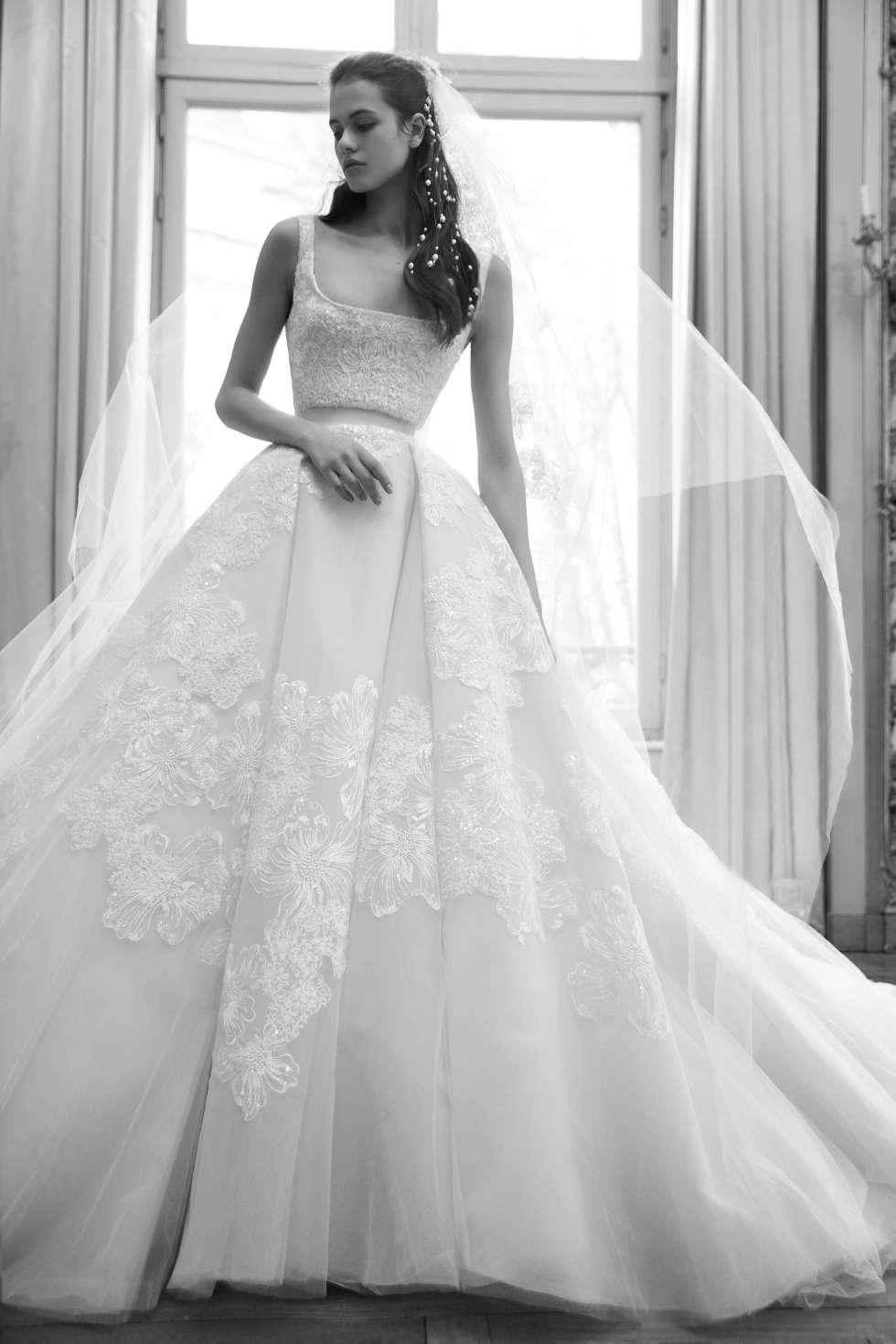 c7c128dae صور أجمل فساتين زفاف فخمة وأنيقة لعروس عام 2019 | موقع العروس