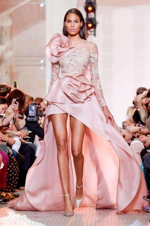 cf9c6f8f6 فساتين خطوبة باللون الوردي لعام 2019 | موقع العروس