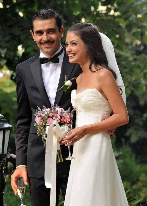 Cansel Elcin And Pinar Apaydin S Wedding Arabia Weddings