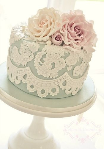 Fabulous One Tiered Wedding Cakes - Arabia Weddings