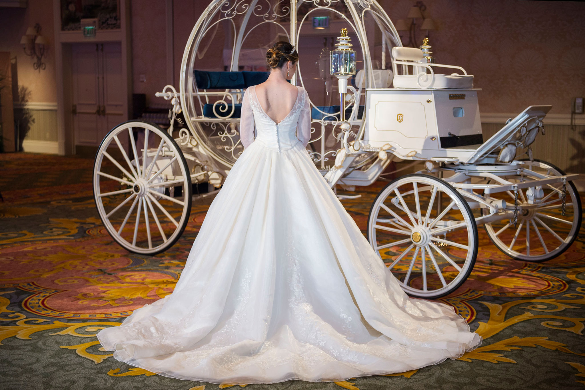 Cinderella inspired wedding dress by alfred angelo for Cinderella inspired wedding dress